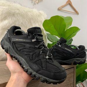 Merrell Bracken Dark Earth Black Hiking Shoes